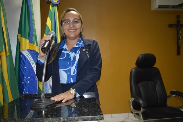 Vereadora Hélvia Almeida - PSD, manifesta apoio as reivindicações dos trabalhadores rurais