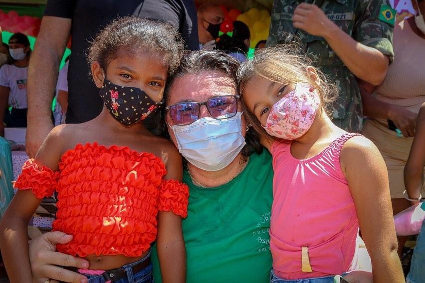 Festa das Crianças garante diversão para centenas na Praça Nelson Carneiro