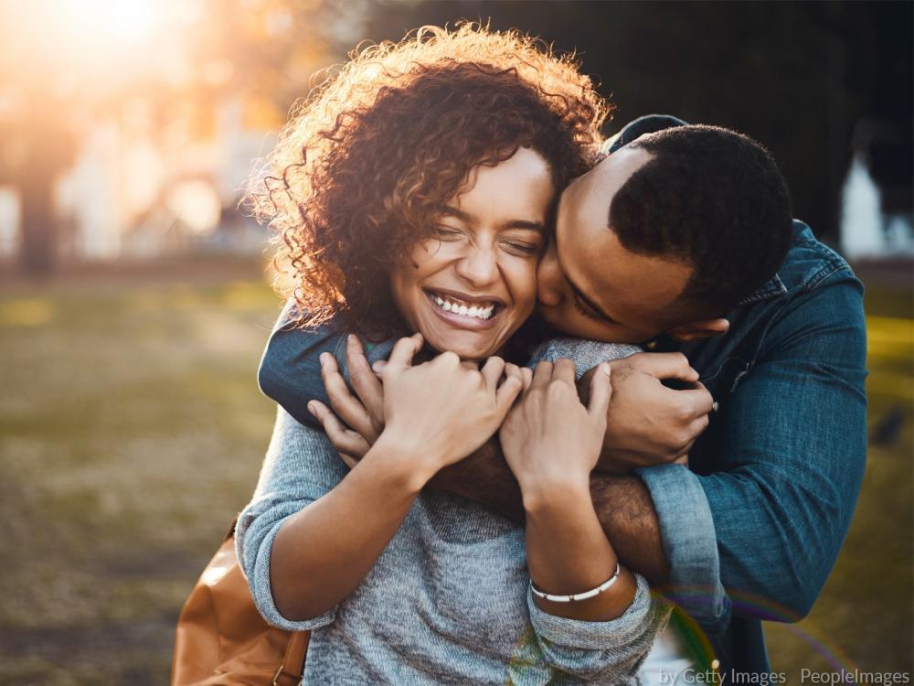 Par perfeito: descubra qual é o melhor signo para você namorar!