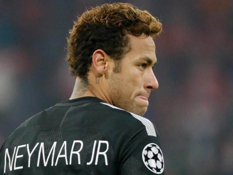 Neymar negocia transferência de mais de R$ 1 bilhão ao Real Madrid