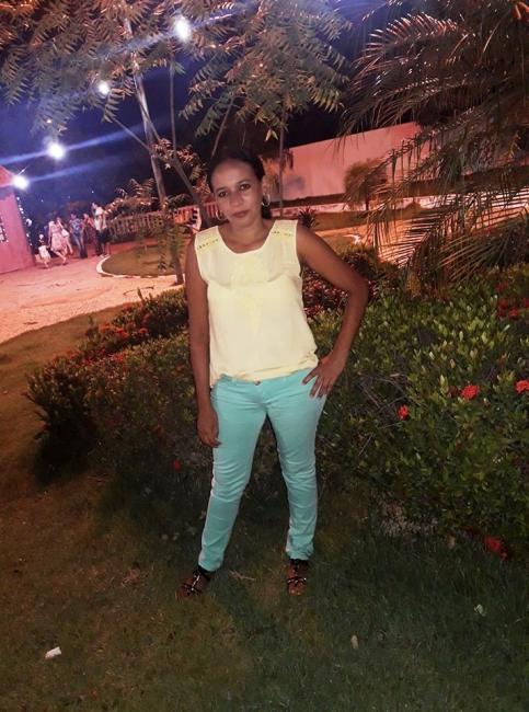 Corpo de Nilzete Moura chega em Santa Filomena e família recebe o apoio de amigos