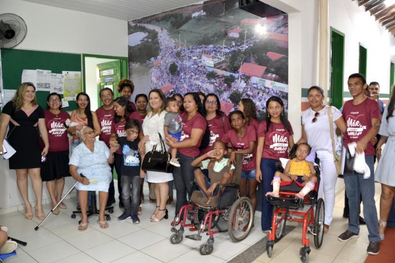 Prefeitura de Água Branca homenageia mães do município em exposição fotográfica