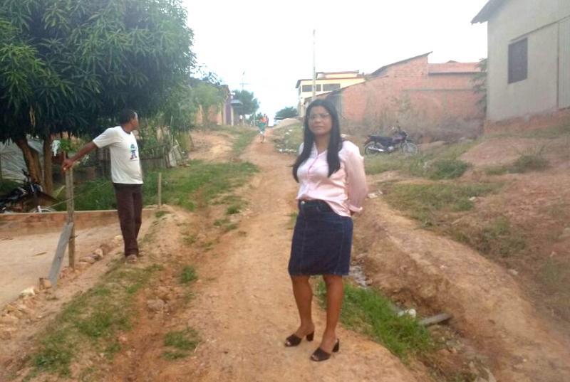 Vereadora Berenice Santos cobra agilidade em pavimentação de ruas do bairro Bela Vista