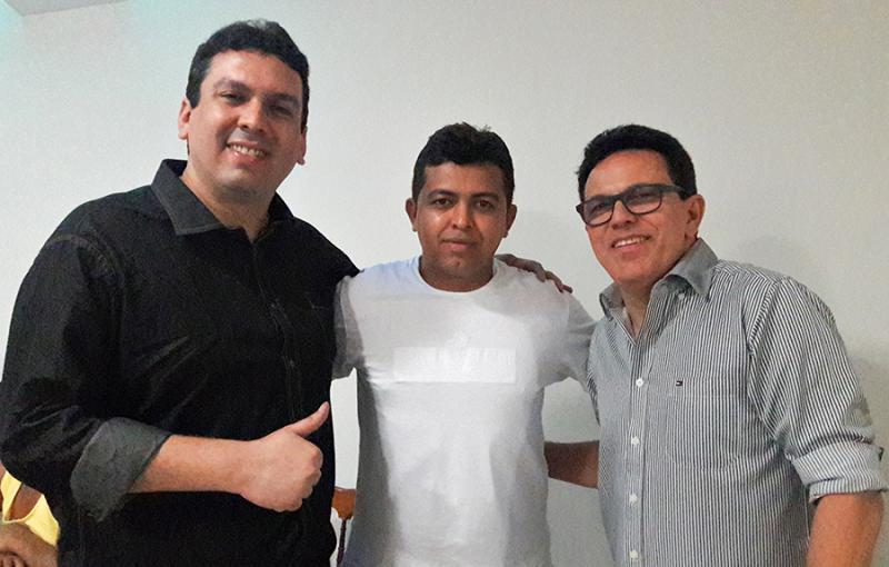 Dr. Marcos Vinícius visita Uruçuí acompanhado do deputado Zé Santana