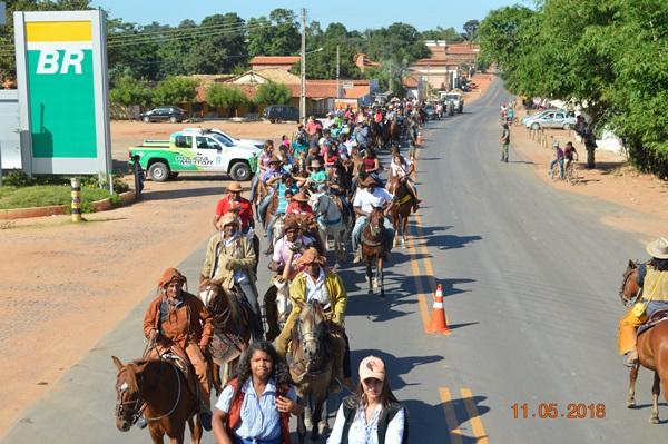 Cavalgada atrai os olhares da população nos festejos de Colônia do Gurgueia-PI