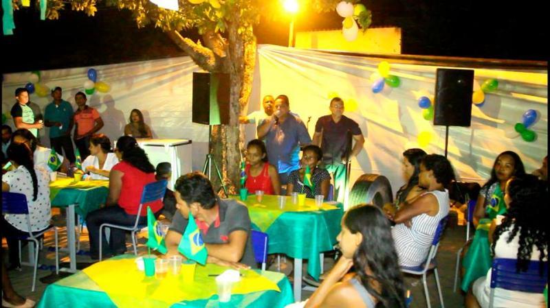 Festa promovida pela Escola Municipal Padre João atrai mães do Povoado Matas