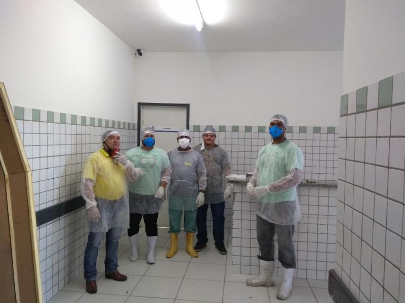 IML sepulta mais 12 corpos de indigentes em Teresina