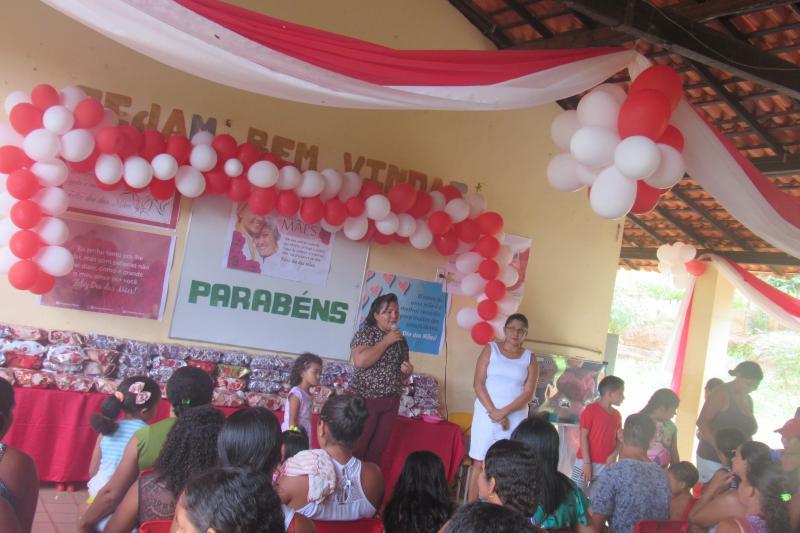 Atividades em homenagem as mães, foram realizadas em escolas da zona rural em São João do Arraial