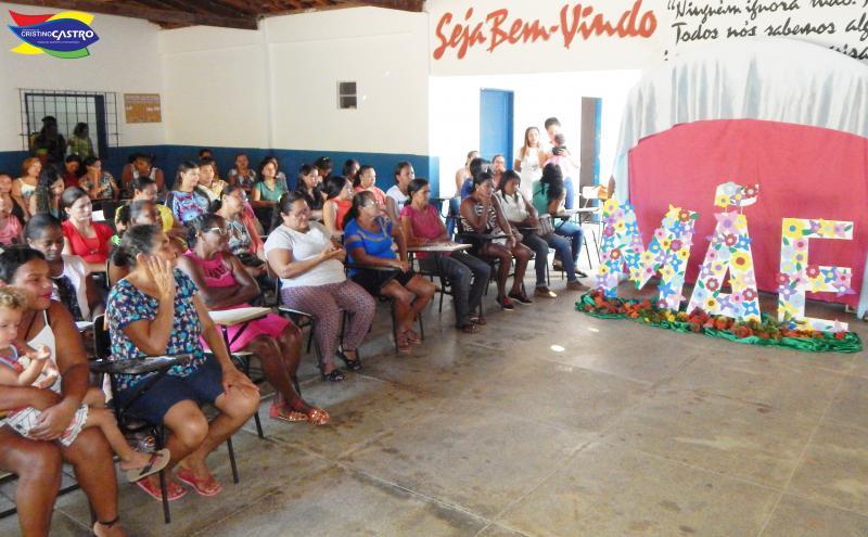 Secretaria de Educação realiza  café da manhã em homenagem ao dia das mães nas escolas municipais