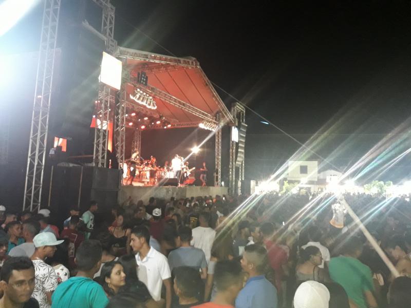 Olhodaguenses marcam presença no show de Chicabana em Agricolândia
