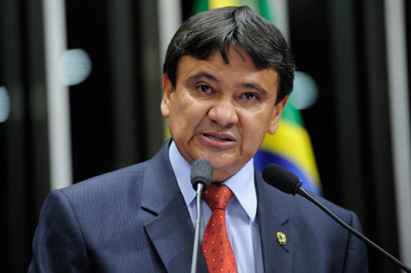 Wellington Dias baixa decreto anulando empenhos não liquidados