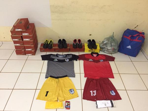 Vereador Rinaldo Rocha consegue através da FUNDESPI material esportivo para a Seleção Landrisalense