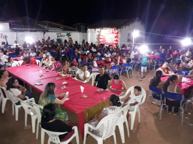Alunos da Escola Marques da Rocha realizam homenagem ao dia das mães