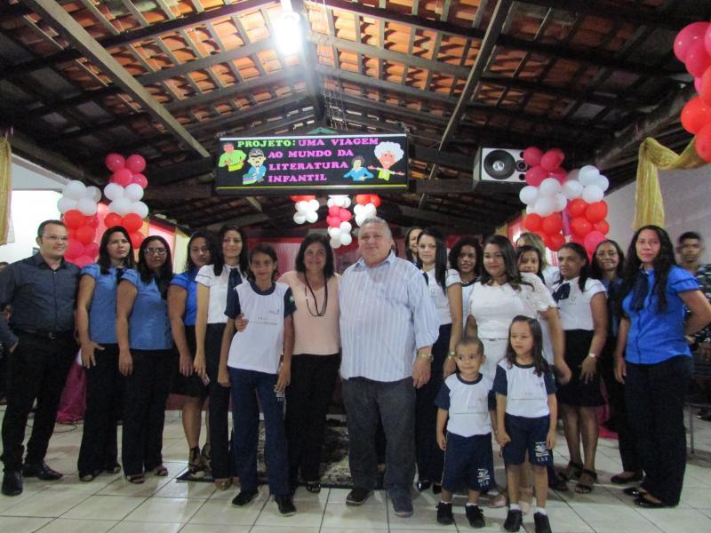 A prefeitura municipal de Lagoinha do Piauí realiza entrega de fardamento escolar