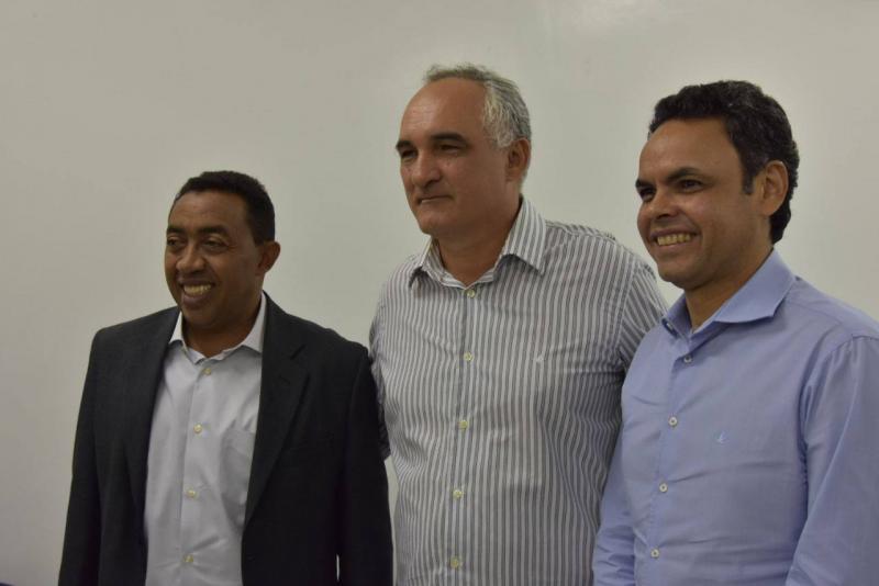 Joel Rodrigues e comitiva visitam Itapipoca no CE para conhecer o Consórcio de Saúde