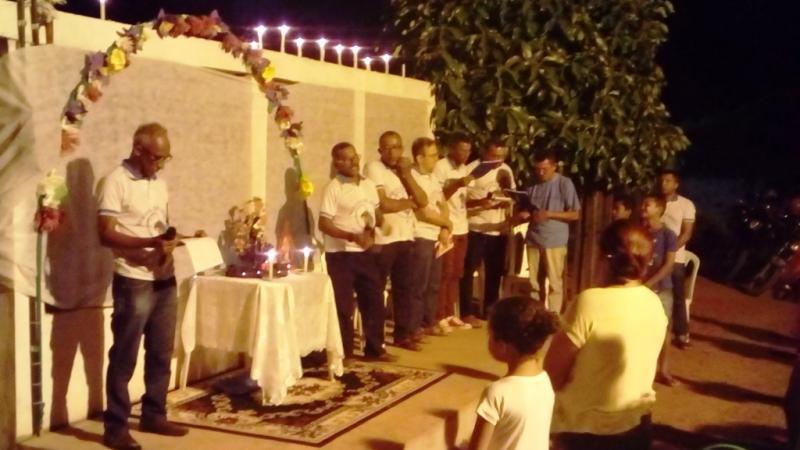 Servos de Maria conduzem terceira noite do festejo de Santa Rita