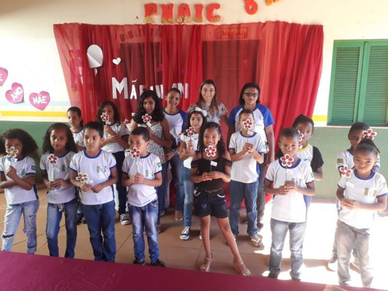 Escola Municipal Edith Mendes realiza homenagem ao Dia das Mães