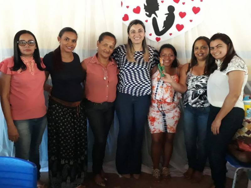 Alunos da Escola Demerval Lobão Veras realizam homenagem às mães