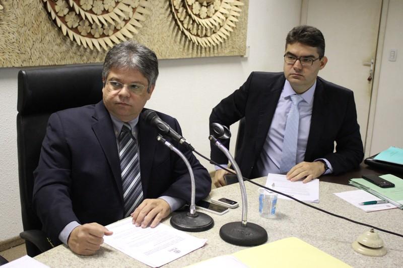 Oposição vai à Brasília pedir liberação de empréstimo à Caixa