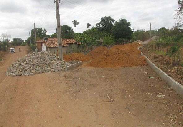 Prefeitura de Agricolândia realiza calçamento no bairro Poeirão