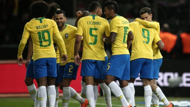 Um mês antes de estrear na Copa, Brasil mantém vice-liderança do ranking da Fifa