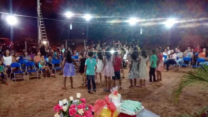 Escola Tia Edinha realiza evento de comemoração ao dia da família