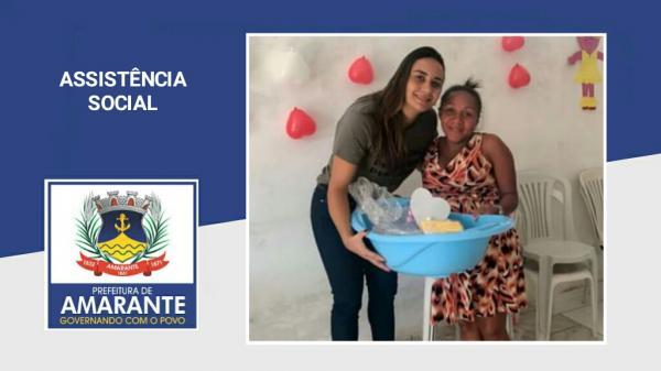 Prefeitura Municipal fazendo as entregas de enxovais na Assistência Social de Amarante