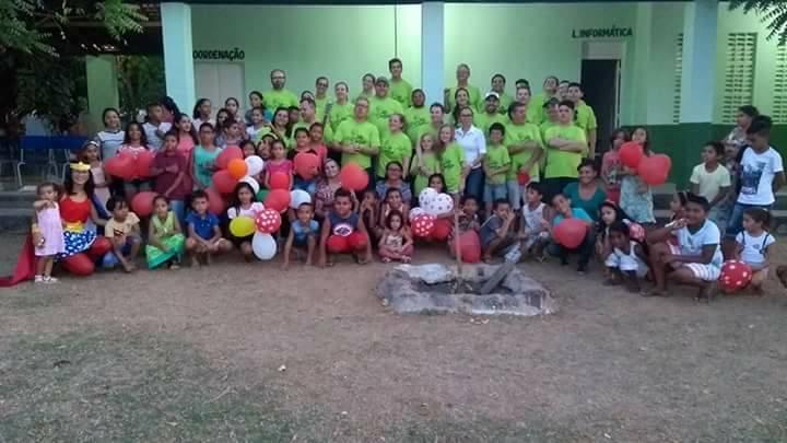 Voluntários do Projeto IDE SERTÃO realizam ação em Demerval Lobão