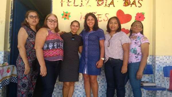Escola Carlos Franco homenageia mães de alunos e Presidente da Câmara prestigia evento