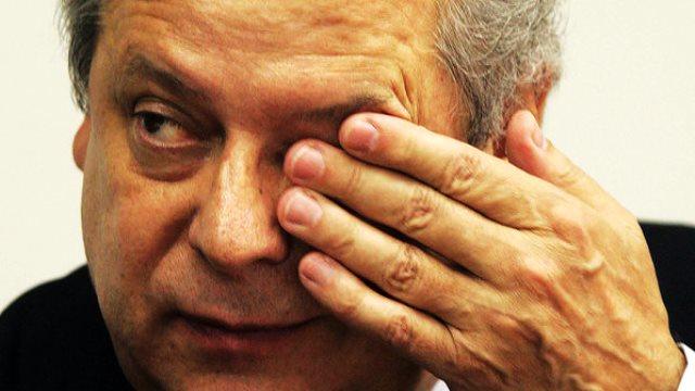 Ex-ministro chora antes de ser preso e reforça que não fará delação