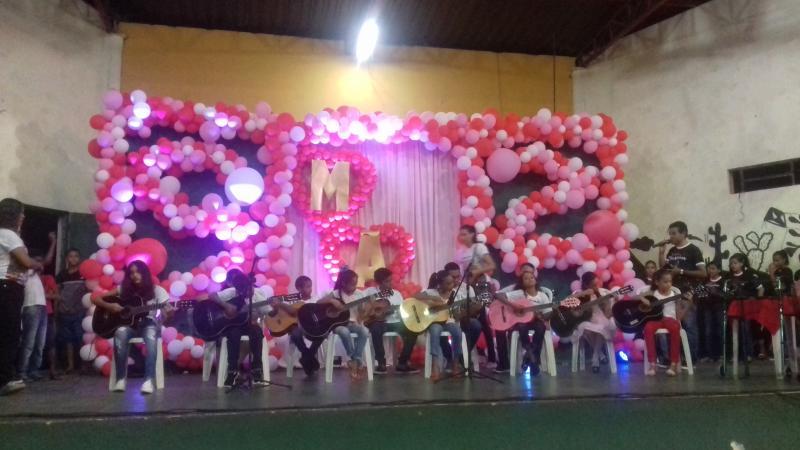 Demerval Lobão | prefeito realiza tradicional festa das mães; veja