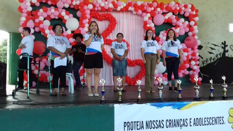 Secretaria de Assistência Social do município, Ana Paula Amorim, em pronunciamento.