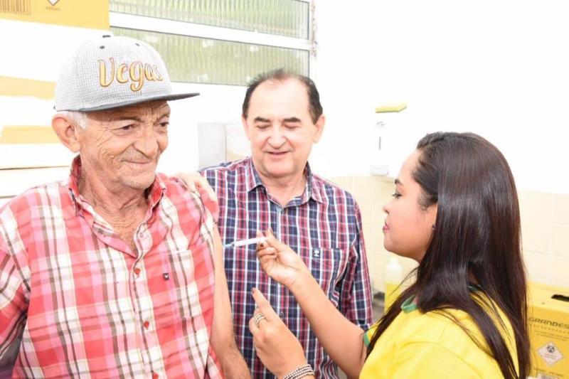 Floriano recebe mais de 6 mil doses da vacina contra Influenza