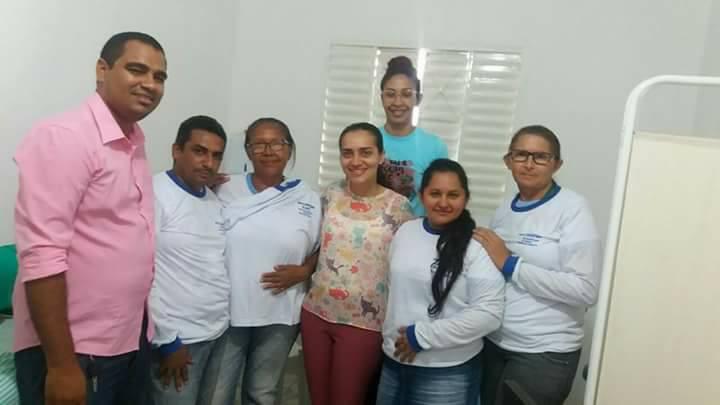 Agentes comunitários de saúde de Demerval Lobão (PI) recebem uniformes