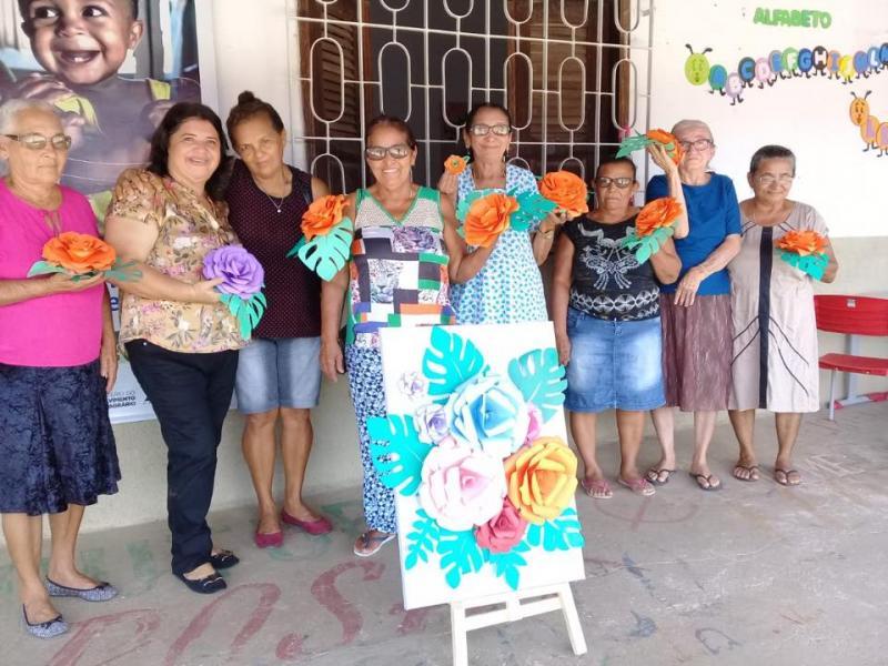 Prefeitura de Pau D'Arco realizou o curso de confecção de flores para idosos