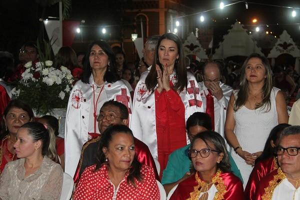Prefeita Ceiça Dias participa de festa de encerramento dos festejos do Divino Espírito Santo