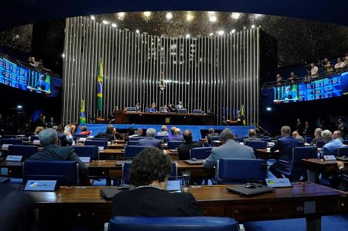 Veja como votou cada senador sobre afastamento de Aécio Neves