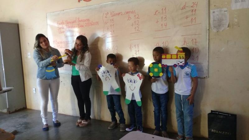 Equipe da secretaria de Saúde realizou vacinação e palestras na Escola Municipal Primavera Sede