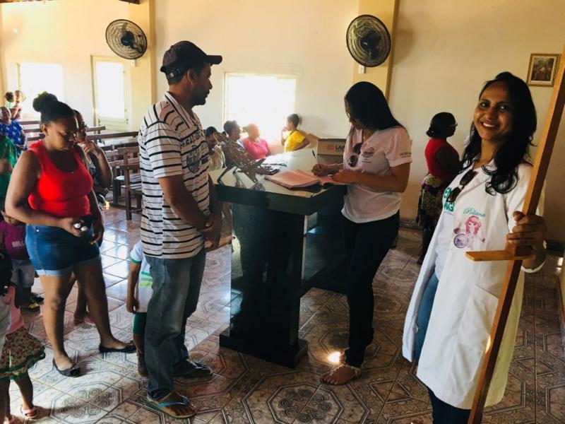 Secretária de saúde realiza atendimento na comunidade saquinho