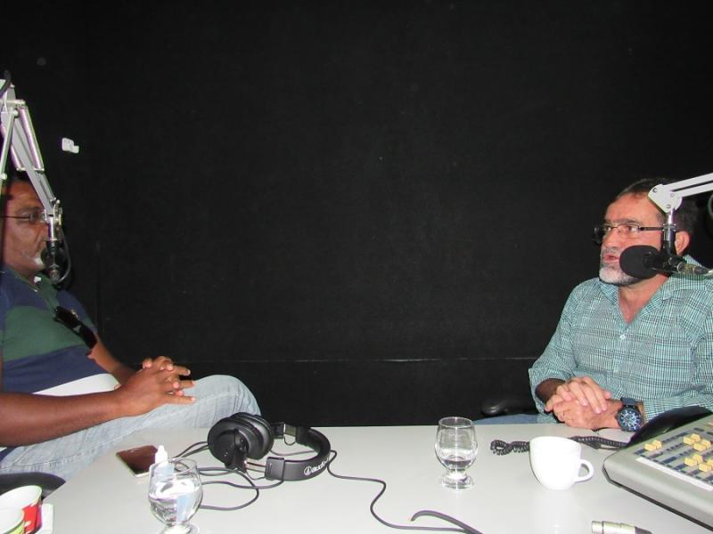 Prefeito Zé Raimundo fala sobre a implantação do SAAE e dos preparativos para a Expoeiras