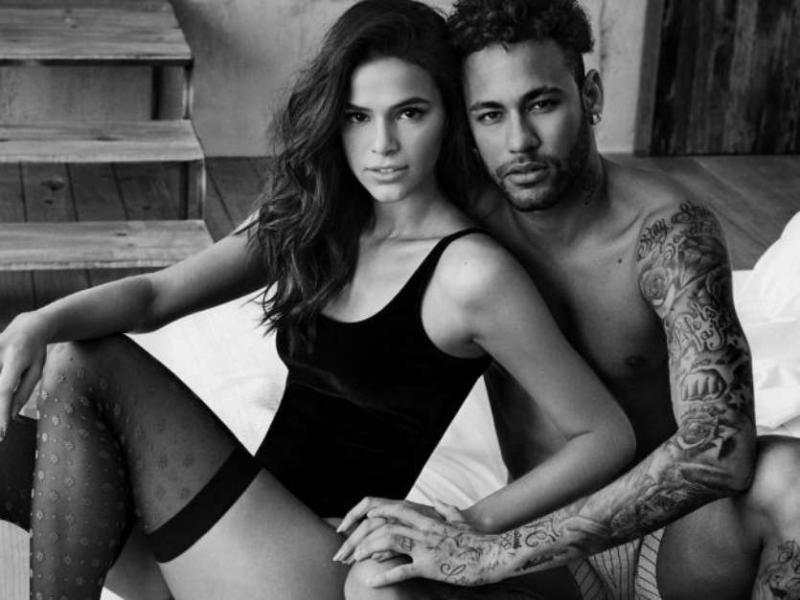 Bruna Marquezine e Neymar estrelam campanha do Dia dos Namorados em clima quente