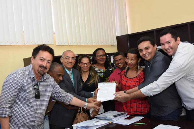 Prefeitura assina documento que garante regularização fundiária do bairro Princesa do Sul