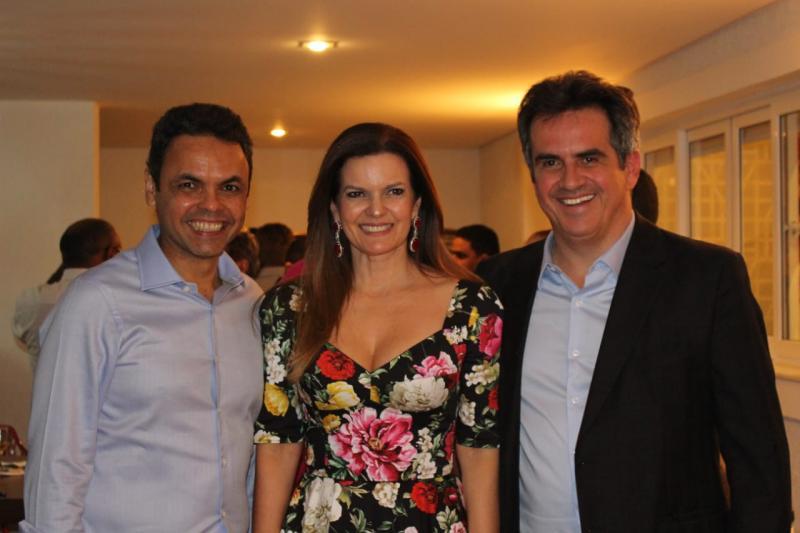 Prefeitos do Piauí participam de jantar na casa do senador Ciro Nogueira em Brasília