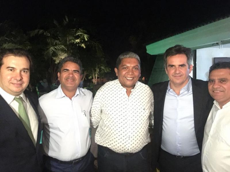 Prefeito Murilo participa de jantar na casa de Ciro Nogueira em Brasília