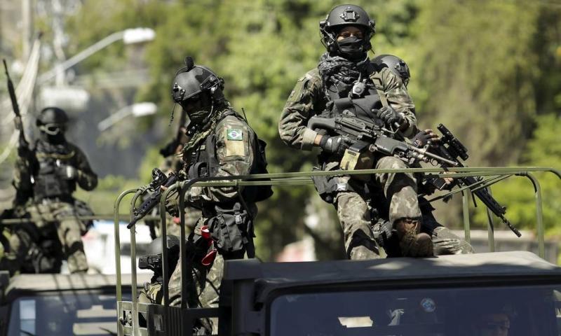 Ministro não descarta uso das Forças Armadas se greve não for suspensa