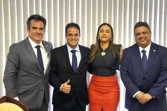 Diego Teixeira consegue emendas para abastecimento d'água, Consultório Odontológico e uma Ambulância