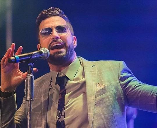 Cantor Latino revela que já deu tapa na cara de fã