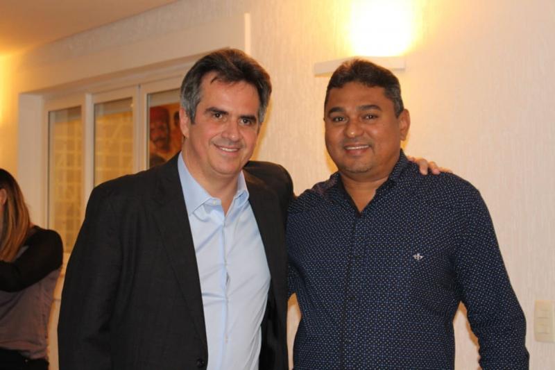 Prefeito de Prata do Piauí participa de jantar na casa de Ciro Nogueira