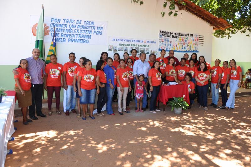 """Escola Municipal João Benício realiza o projeto """"Família na Escola"""""""