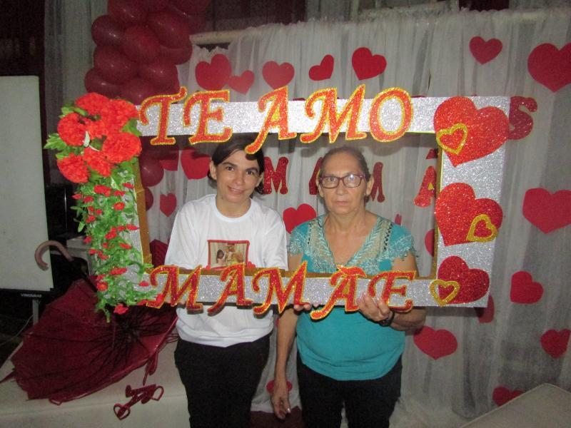 MADEIRO: Realizada festa para as mães madeirenses
